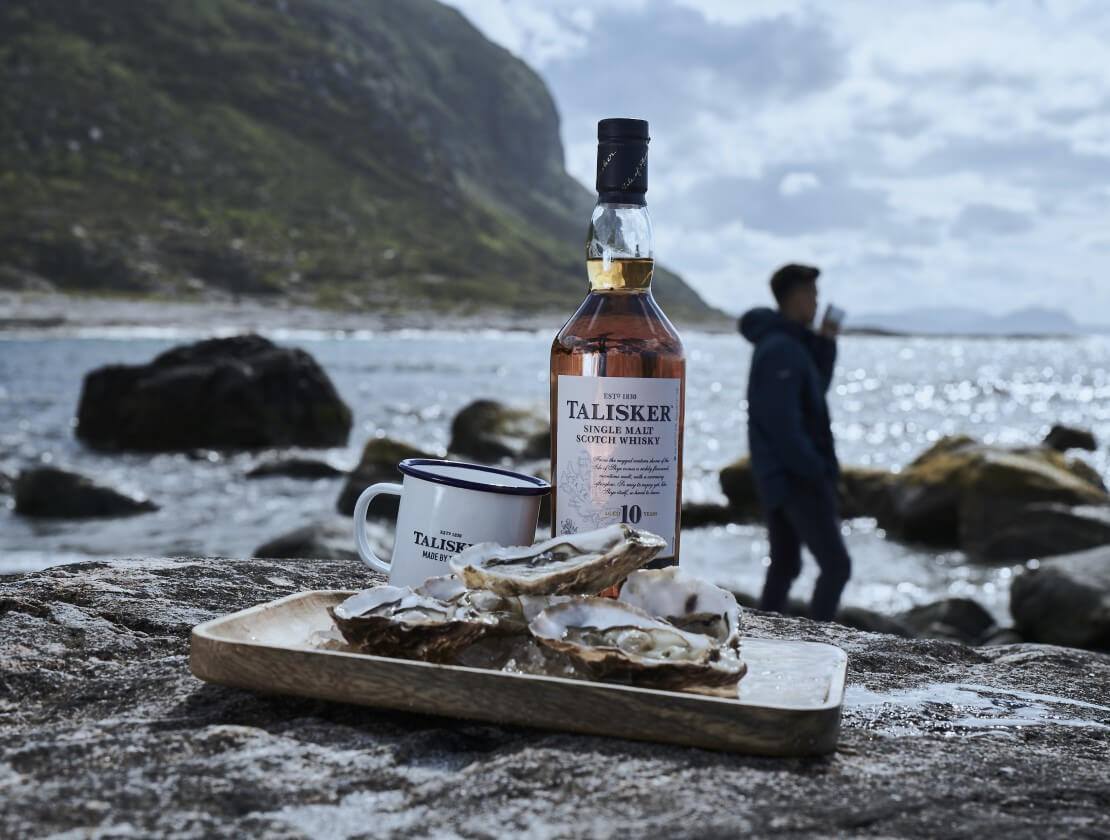 The Talisker 'Oyster Ritual' serve.